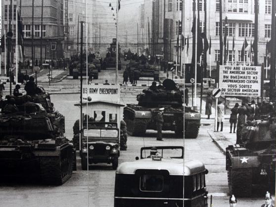 Чекпойнт Чарли (Checkpoint Charlie)