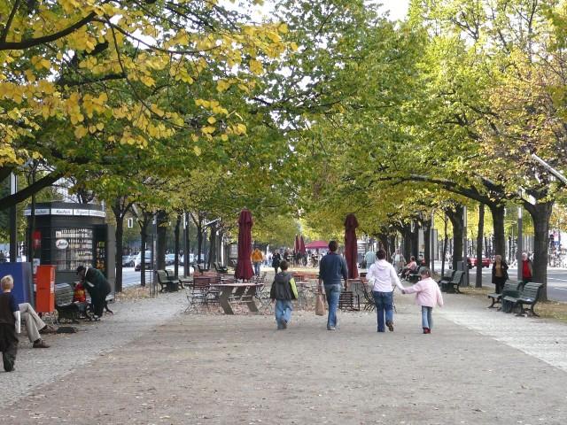 Улица Унтер-ден-Линден (Unter den Linden)