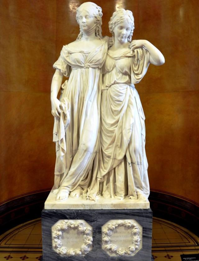 Скульптура «Кронпринцесса Луиза и принцесса Фридерика» Иоганна Готтфрида Шадова (1795 г.)