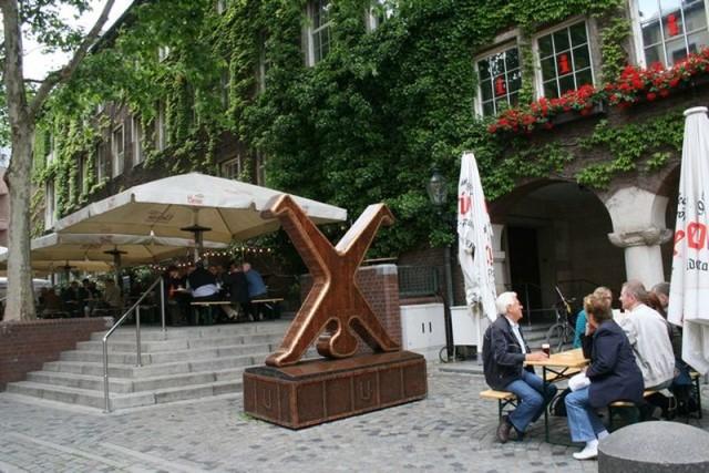 Символ города Дюссельдорфа - Радшлегер (Radschleger)