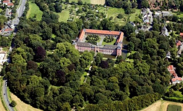 Замок Калькум (Schloss Kalkum) в Дюссельдорфе