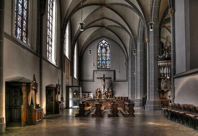 Интерьер Базилики Святого Ламберта