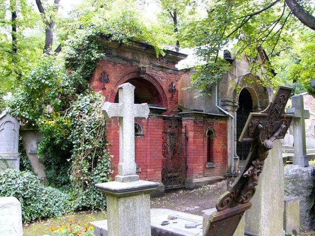 Старое католическое кладбище (Der Alte katholische Friedhof)