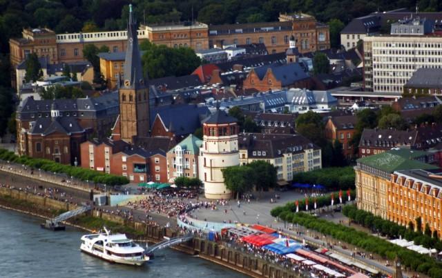 Старый город в Дюссельдорфе Альтштадт (Altstadt)