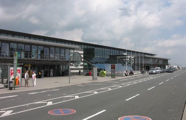 Аэропо́рт До́ртмунд (Flughafen Dortmund, официальное название Dortmund Airport 21)