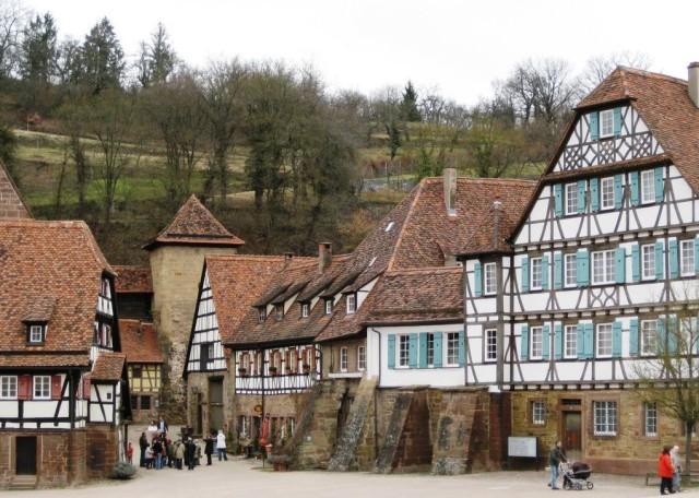 Средневековый монастырский комплекс Маульбронн (Kloster Maulbronn)