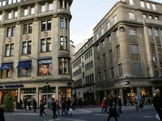 Шадовштрассе — одна из самых оживлённых торговых улиц Европы. Дюссельдорф