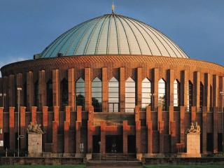 Концертный зал «Тонхалле» в Дюссельдорфе — захватывающе зрелище