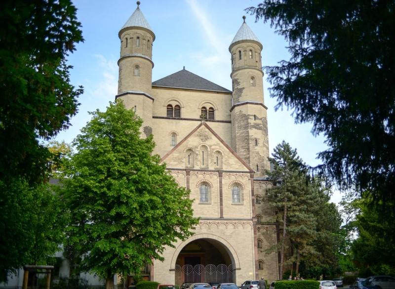 Церковь Св. Пантелеймона (St. Pantaleon)