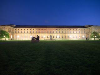 Популярные картинные галереи Мюнхена: Старая и Новая Пинакотека
