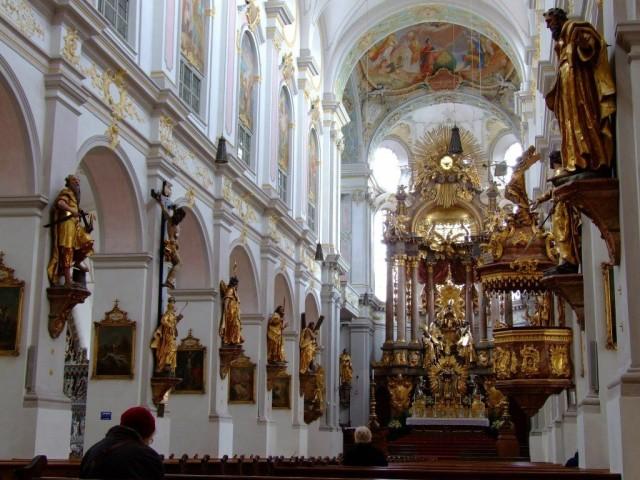 Церковь Святого Петра (St. Peter Kirche)