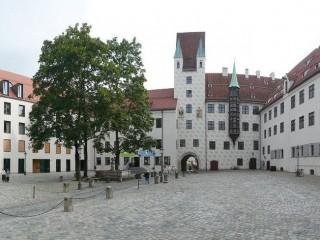 Мюнхенский Старый Двор