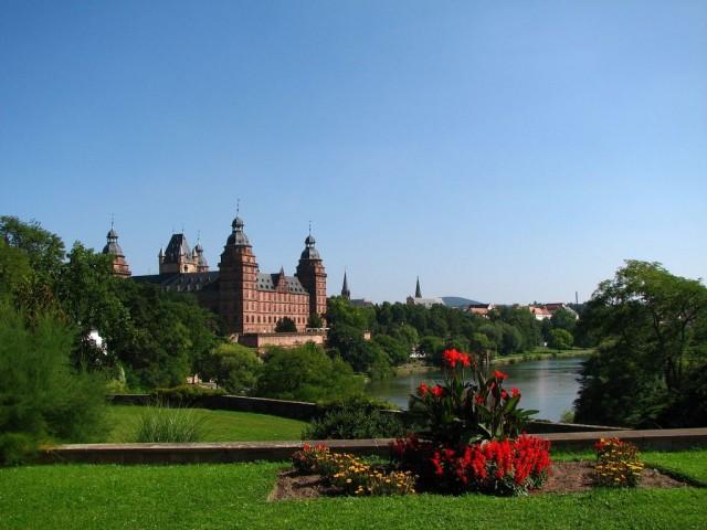 Замок Йоханнесбург (Schloss Johannisburg)