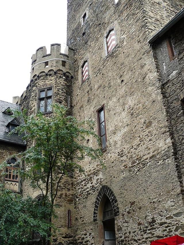Замок Ланек (Burg Lahneck)