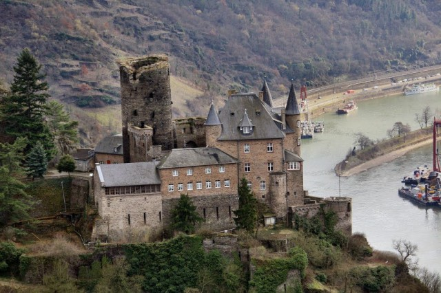 Замок Кошка (Burg Katz)