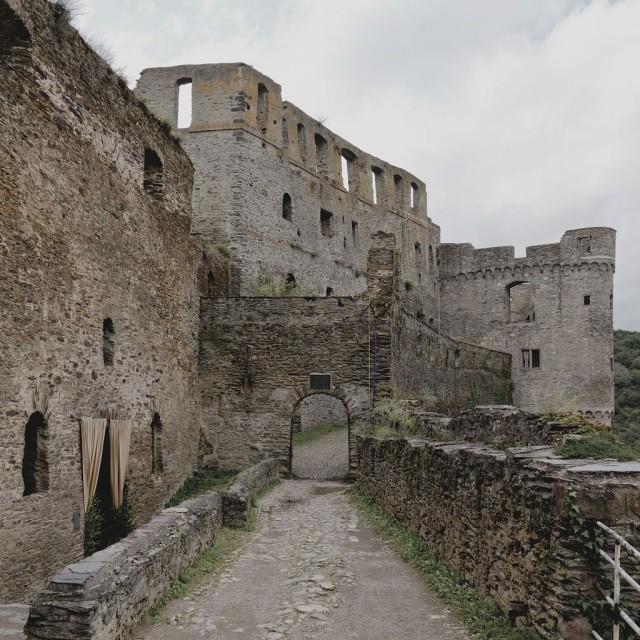 Замок Райнфельс (Burg Rheinfels)