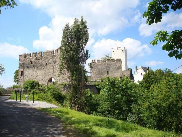 Замок Штеренберг (Burg Sterrenberg)