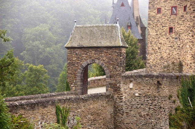 Замок Эльц (Burg Eltz)