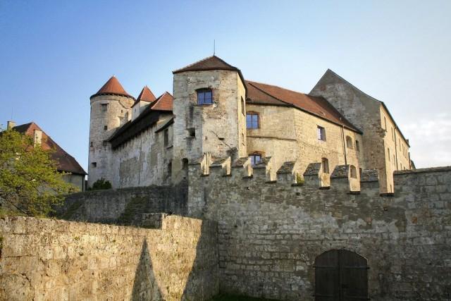 Замок Бургхаузен (Burg zu Burghausen)