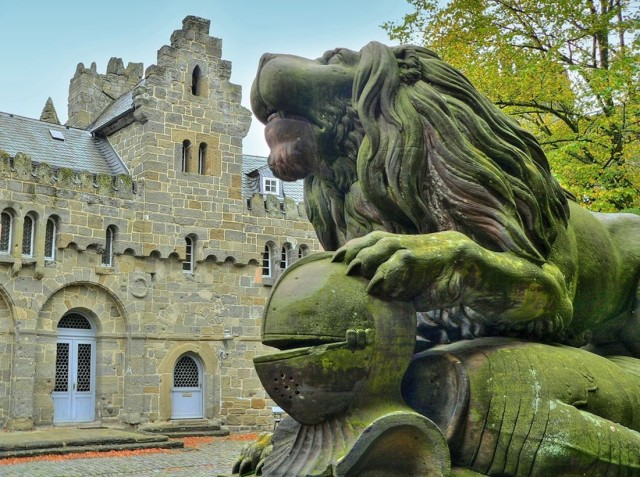Замок Лёвенбург (Löwenburg)