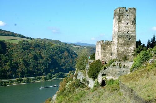 Замок Гутенфельс (Burg Gutenfels)