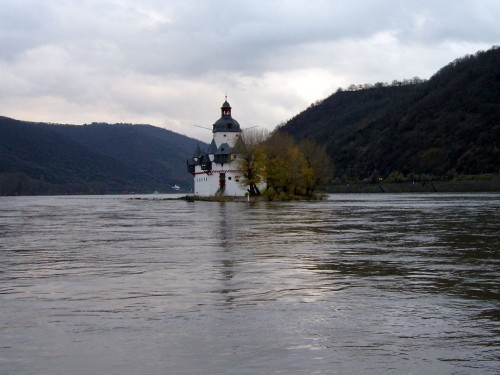 Крепость Пфальцграфенштайн (Burg Pfalzgrafenstein)