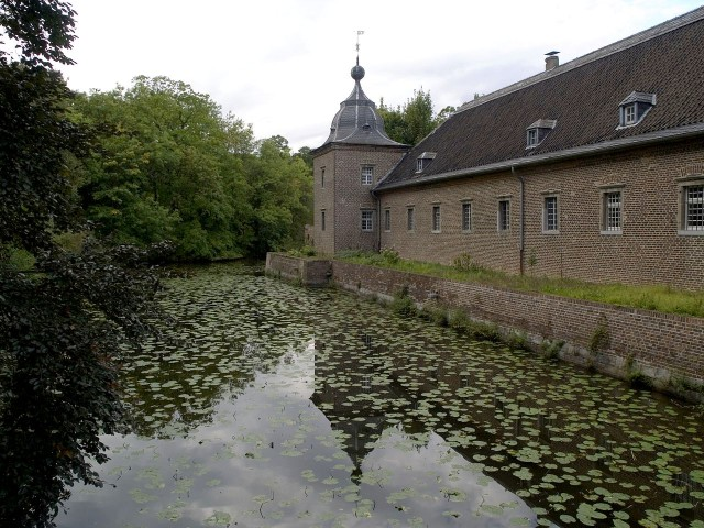 Замок Хельторф (Schloss Heltorf)