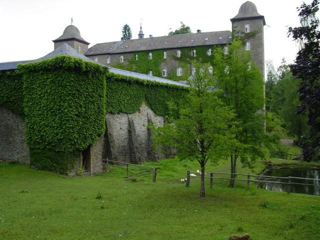 Замок Шнелленберг (Burg Schnellenberg)