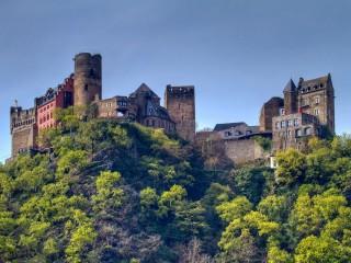 Замок Шёнбург