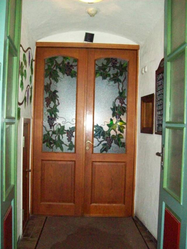 В доме с такими дверями жить не стыдно