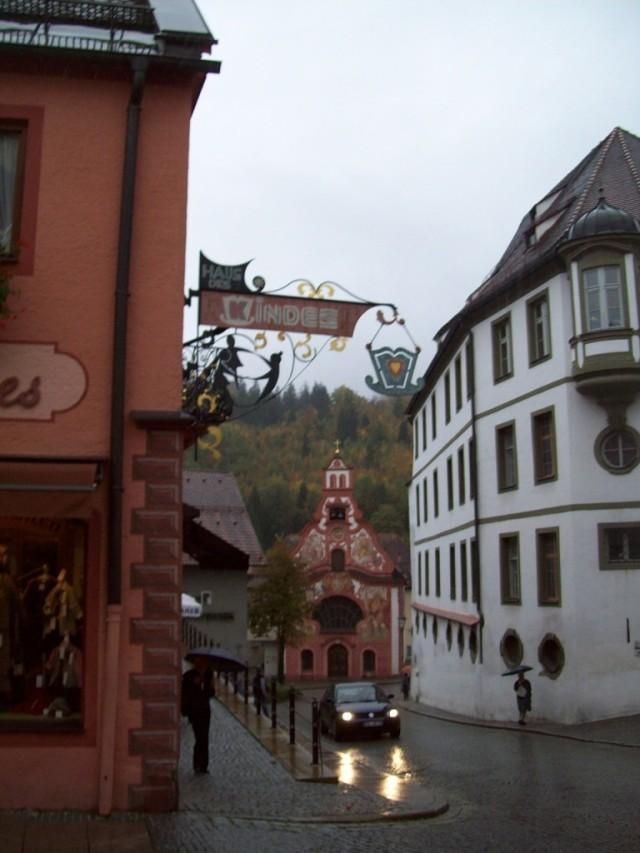 Красивому городу – красивые вывески (Фюссен).