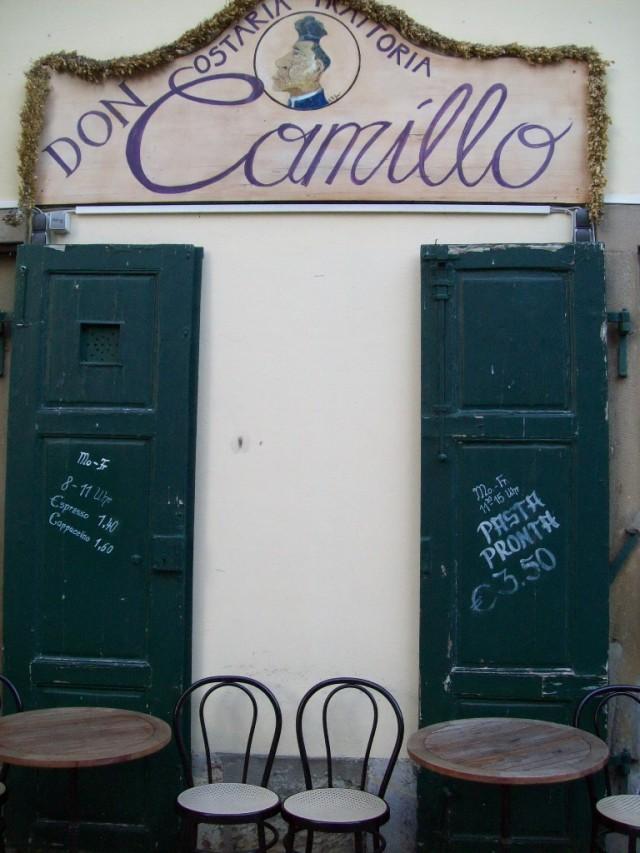 Разве можно пройти и не заглянуть к дону Камилло?