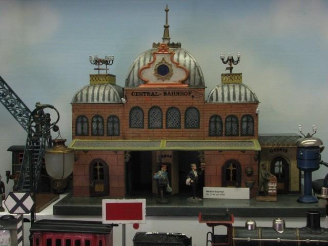 Музей игрушек в башне Старой Ратуши (Spielzeugmuseum im Alten Rathausturm)