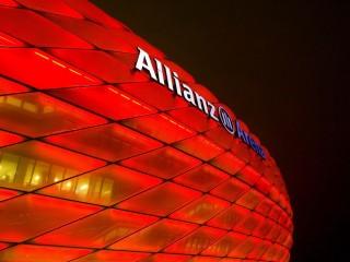 Стадион «Альянц Арена» — уникальный спортивный комплекс в Мюнхене