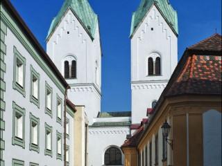 Монастырь Нидернбург в Пассау. Место захоронения Гизелы Венгерской — королевы и аббатисы