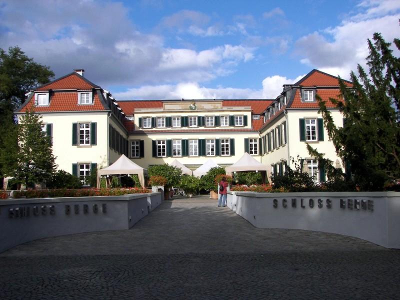 Замок Берге (Schloss Berge)
