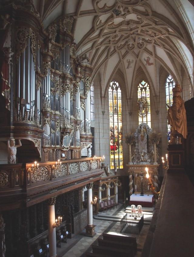 Церковный  барочный орган