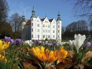 Аренсбург, белоснежный замок. Наследие Генриха Карла Шиммельманна