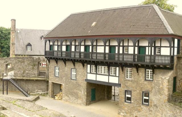 Замок Бройх (Schloss Broich )