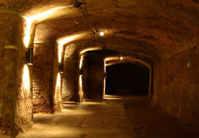 Нюрнбергские подземелья (Unterirdische Felsengänge) (24)