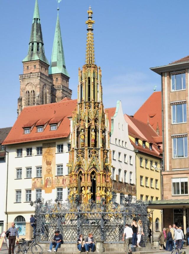 «Прекрасный фонтан» (Schöner Brunnen)