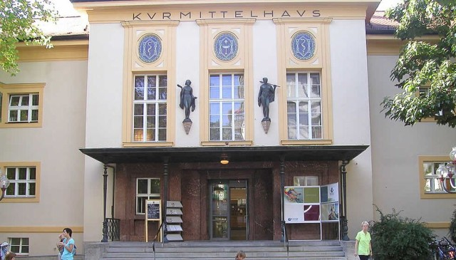 Курортная клиника (Kurmitelhaus)