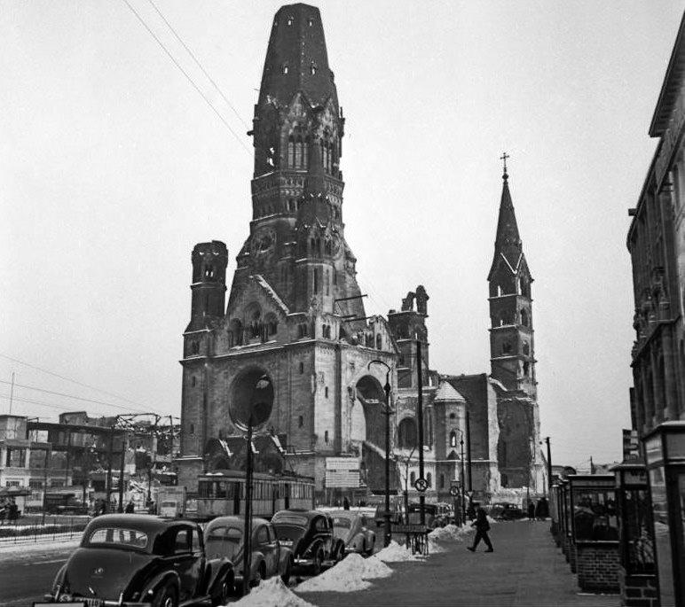 Церковь в 1954 г.