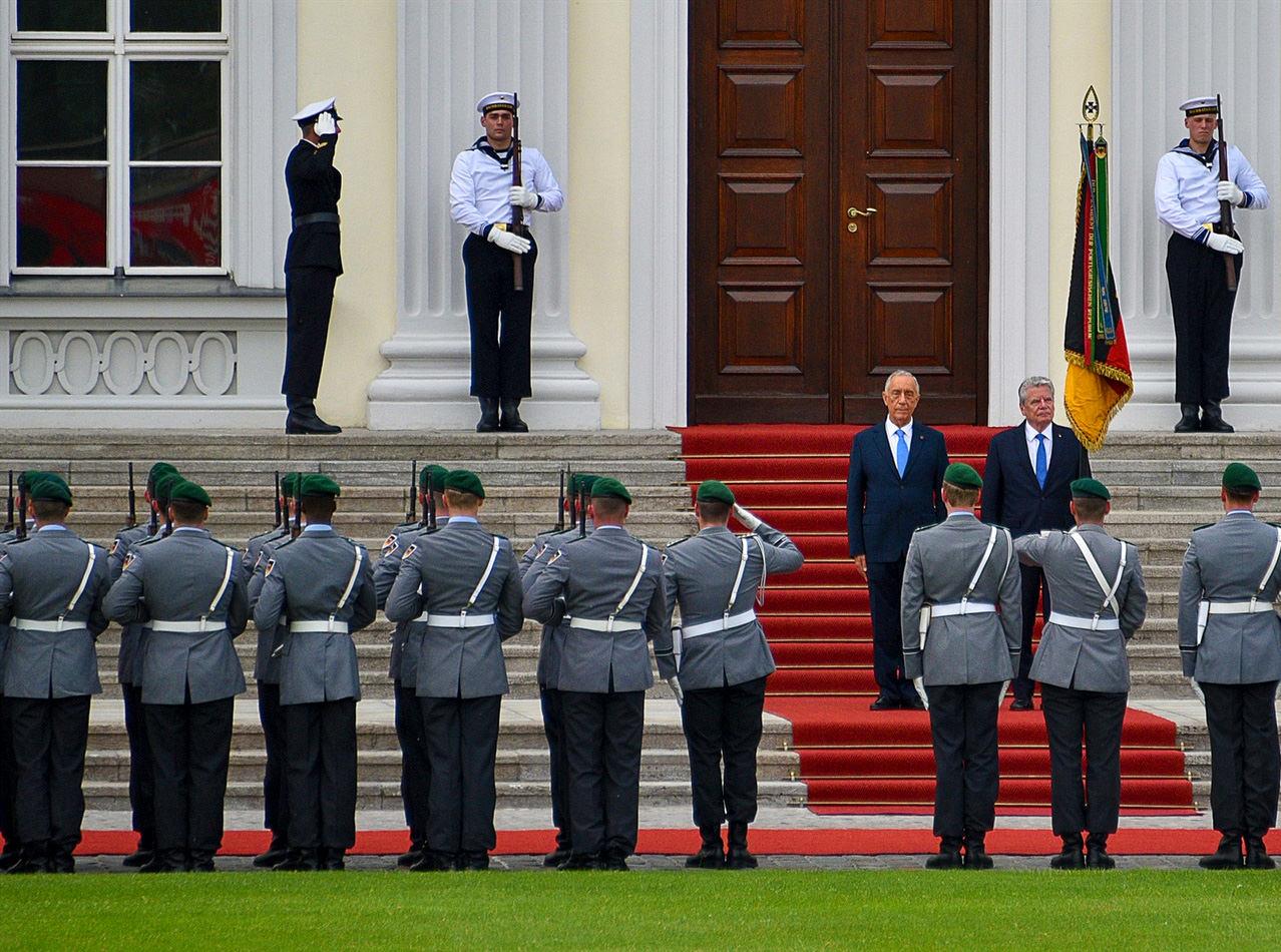 Официальная встреча во дворце