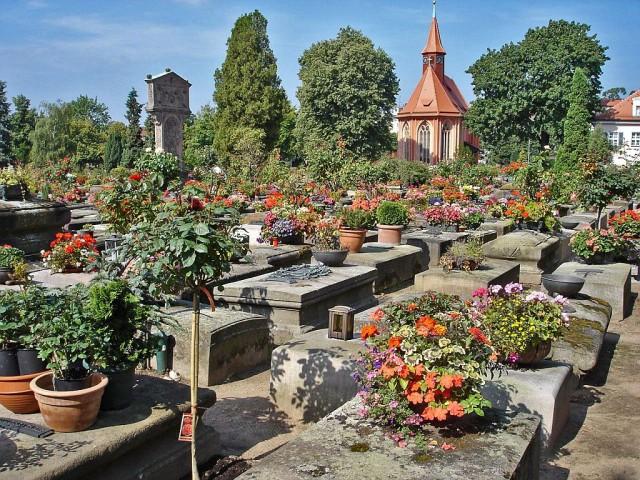 Кладбище святого Иоанна (Johannisfriedhof)