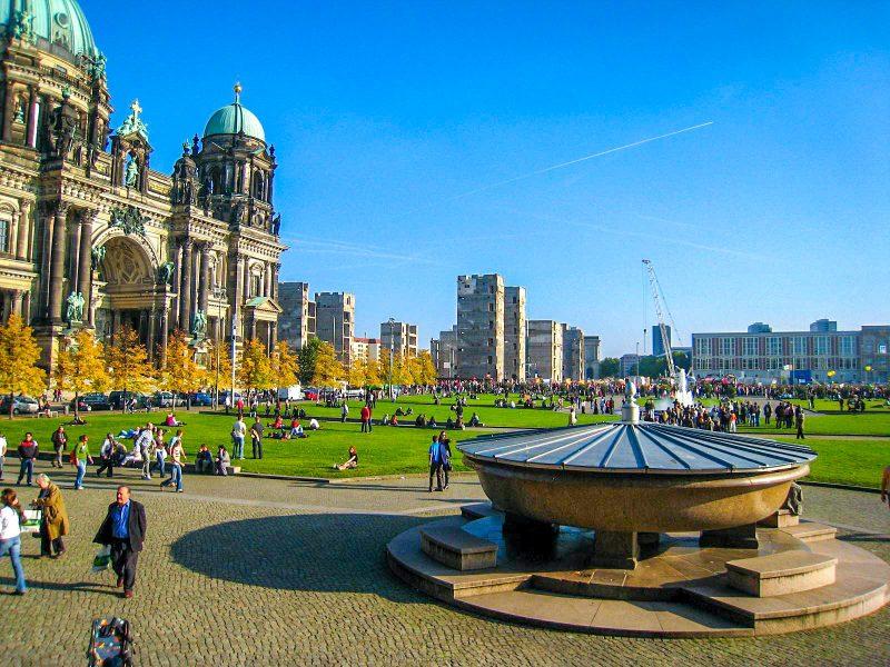 Люстгартен - любимое место отдыха берлинцев