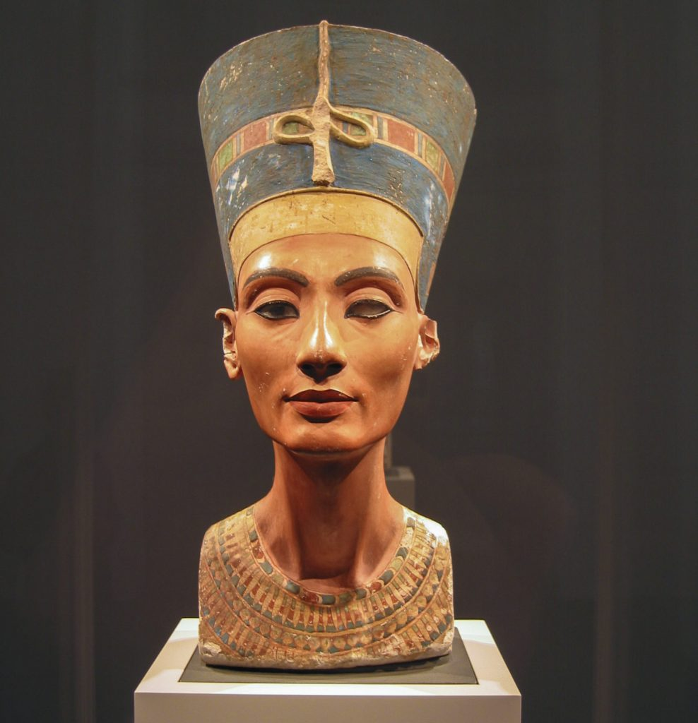 Бюст Нефертити (ок. 1338 г. до н. э.)
