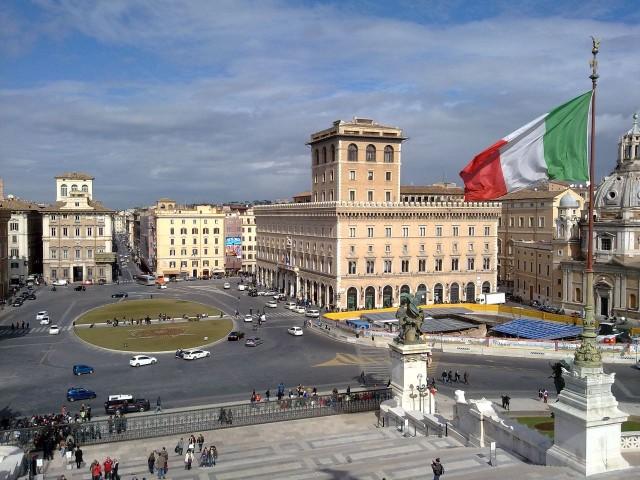 Венецианская площадь (Piazza Venezia - Пьяцца Венеция)