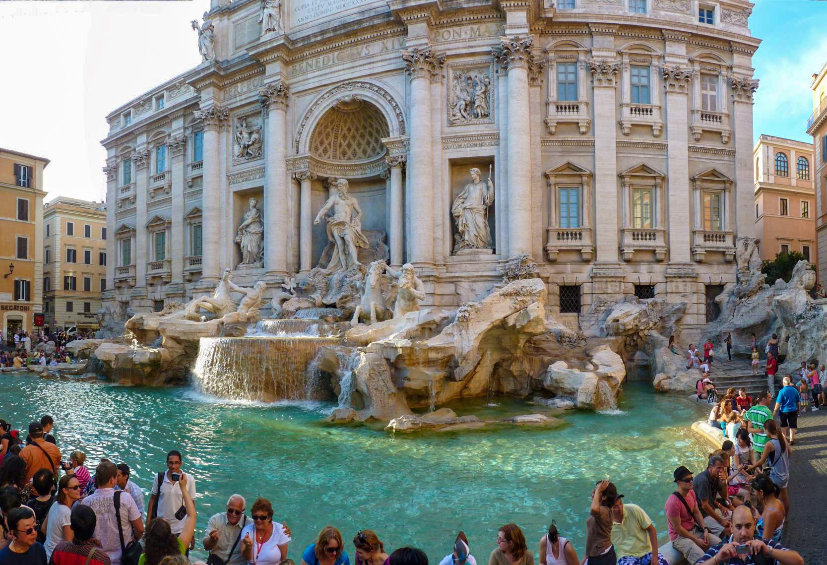 Фонтан Треви — символ римского барокко