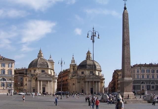 Базилика Санта-Мария ин Монтесанто (Basilica di Santa Maria in Montesanto) и церковь Санта-Мария деи Мираколи (Chiesa di Santa Maria dei Miracoli)
